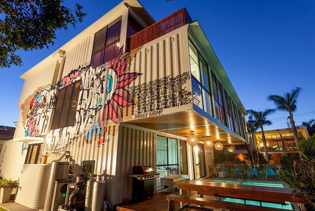 The-20-Most-Amazing-Shipping-Container-Homes-19